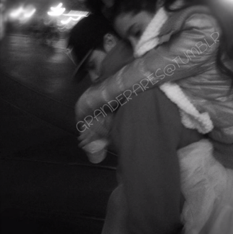 File:Ariana on jordan's back.png