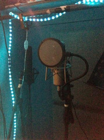File:Studio February 27, 2013.png