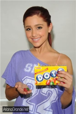 File:Ariana eating dots.jpg