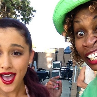 File:Ariana and GloZell one eyed.jpg