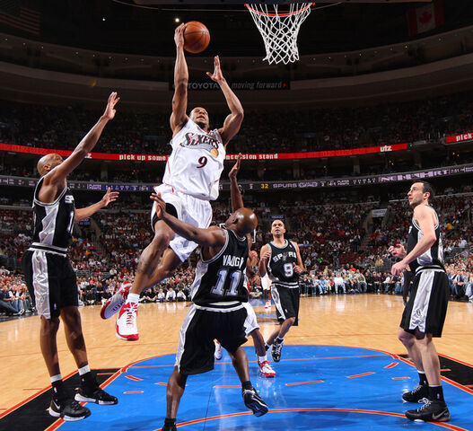 File:828b7e886c7f9fc5ca7f817df6c1979d-getty-76075377jg015 spurs sixers.jpg