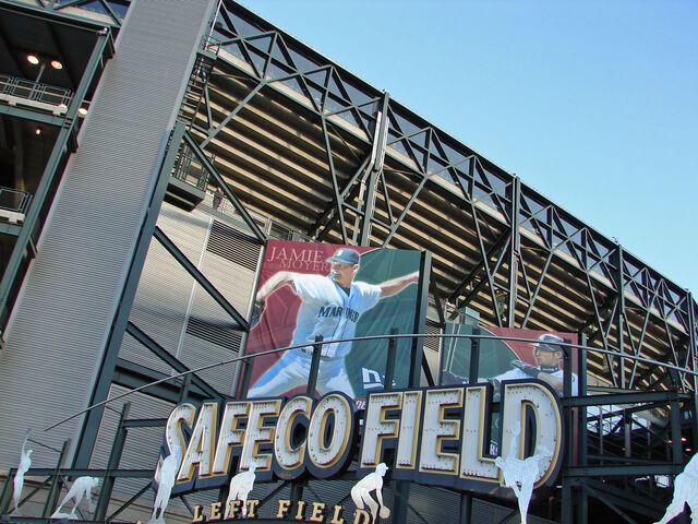 File:Safeco Field-1195606490-983.jpg