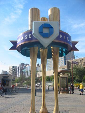 File:Chase Field-1195661002-716.jpg