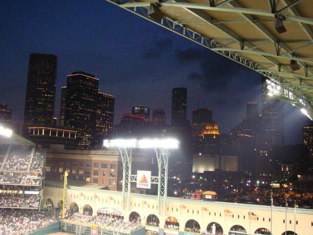File:Houston Astros-1199766145-651.jpg