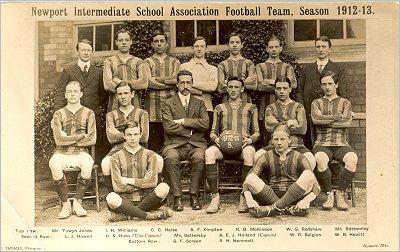File:Newport-intermediate-school-afc-1912-13-w400.jpg