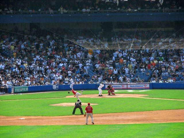File:Yankee Stadium-1195689597-681.jpg