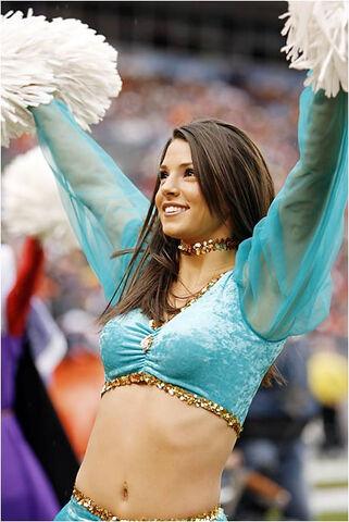 File:01-hot-cheerleaders.jpg