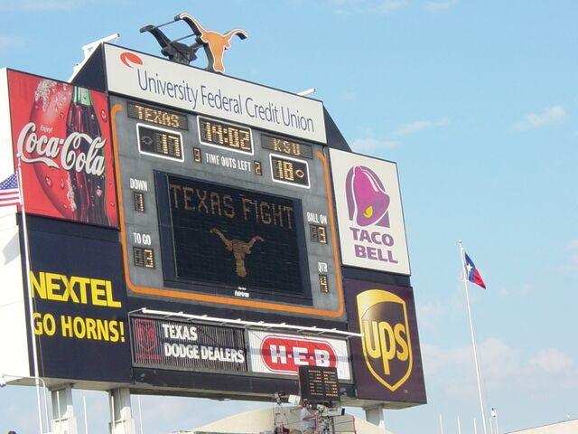 File:DKR Old North Scoreboard KSU vs Texas 2003.jpg