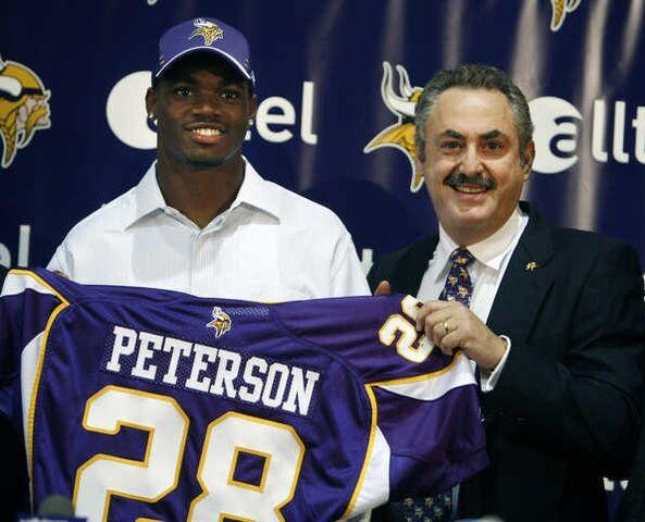File:Adrian-peterson-28-jersey.jpg