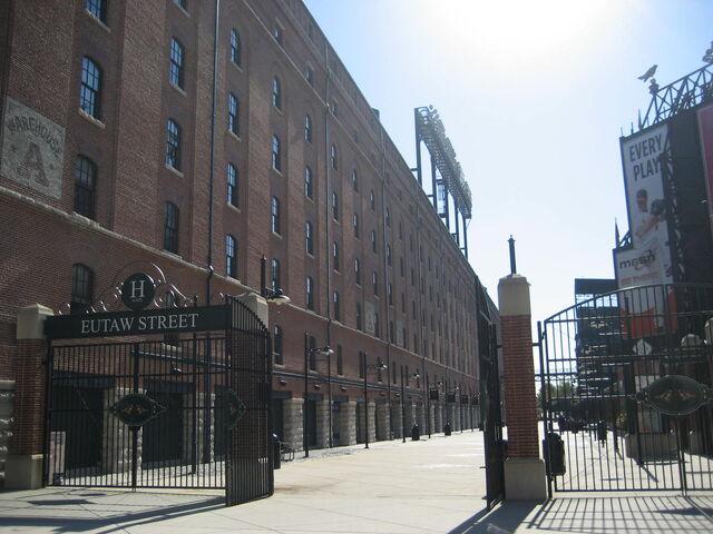 File:Baltimore Orioles-1199767265-204.jpg
