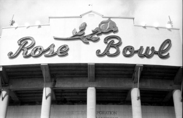 File:Rose Bowl-1199088324-30.jpg