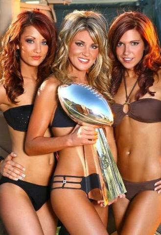 File:03-hot-cheerleaders.jpg