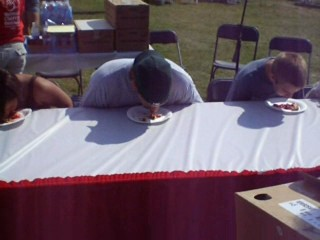 File:1187469912 2007 Cherry Festival Pie Eating.jpg