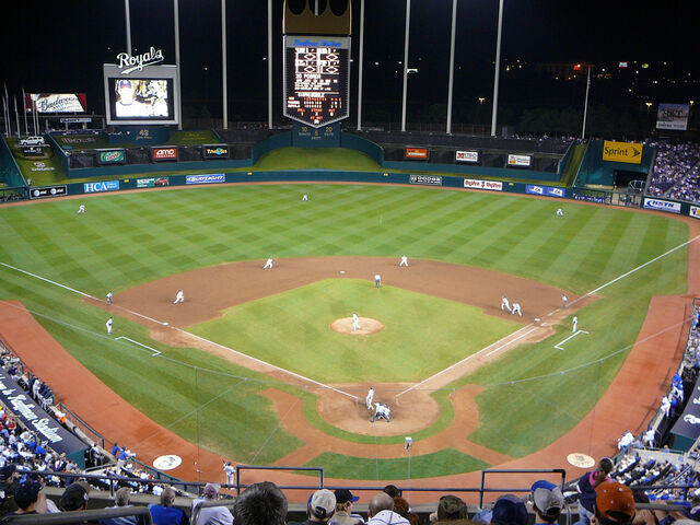 File:Kauffman Stadium-1195669761-178.jpg