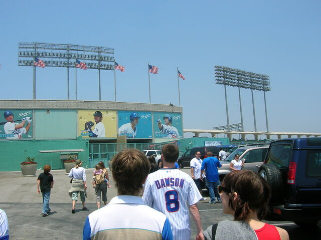 File:Dodger Stadium-1195663705-787.jpg