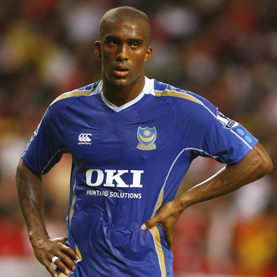 File:Player profile Sylvain Distin.jpg