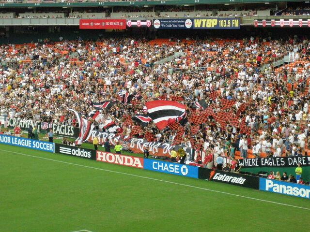 File:RFK Stadium-1195683194-793.jpg
