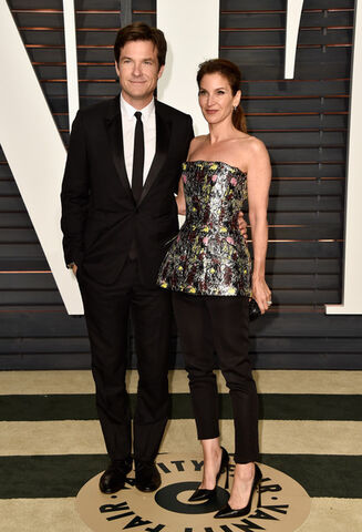 File:2016 Academy Awards Vanity Fair - Jason and Amanda 01.jpg