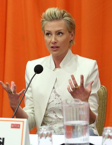 File:2013 Netflix Press Conference - Portia de Rossi 02.jpg