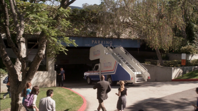 File:4x13 It Gets Better (31).png