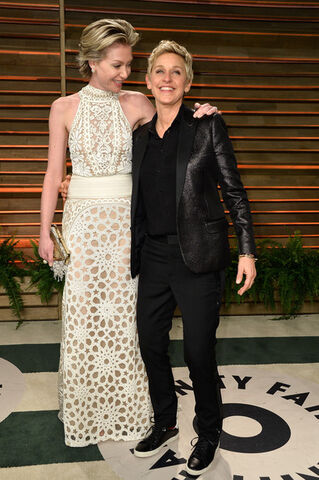File:2014 Academy Awards Vanity Fair - Portia and Ellen 02.jpg