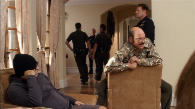 File:4x09 Smashed (03).png