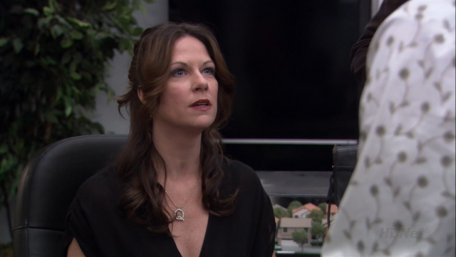 File:2x08 Queen for a Day (14).png