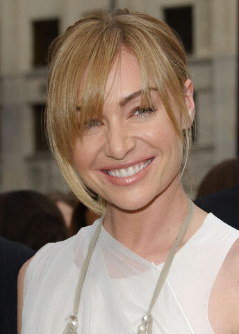 File:2006 Annual Daytime Emmy Awards - Portia de Rossi 01.jpg