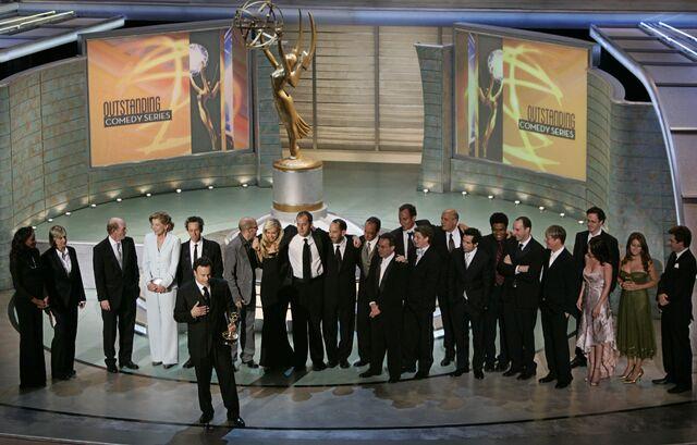 File:2004 Primetime Emmy Awards - Arrested Development Group 02.jpg