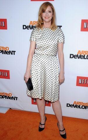 File:2013 Netflix S4 Premiere - Judy Greer 02.jpg