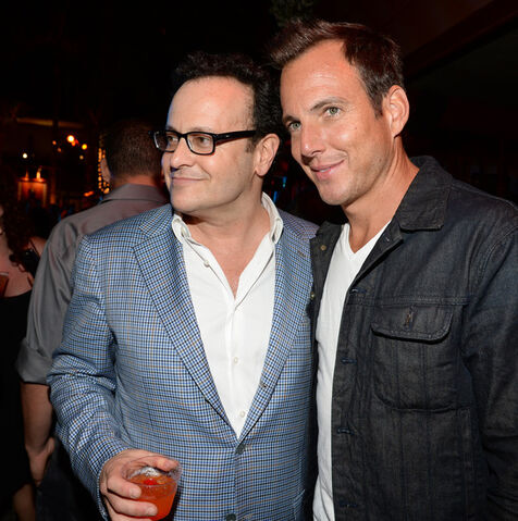 File:2013 Netflix S4 Premiere - Mitch and Will 03.jpg