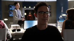 Eobard suspicous of future Barry