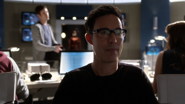 File:Eobard suspicous of future Barry.png