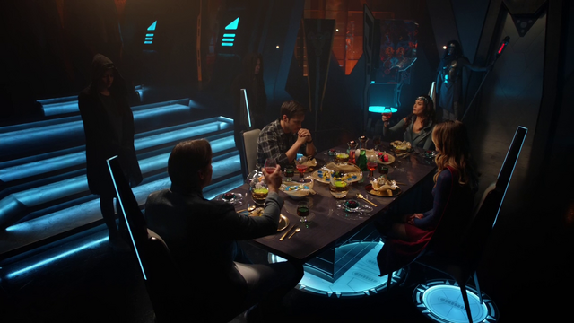 File:Mon-El and Kara dine with Lar Gand and Rhea.png