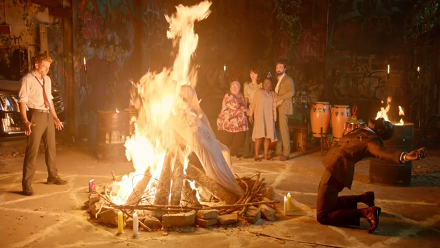 File:Constantine and Papa Midnite burn the corpses of the spirits.png