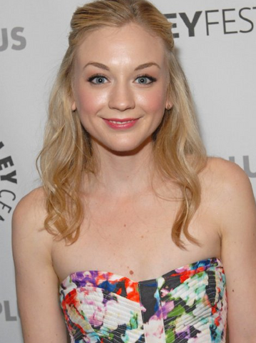File:Emily Kinney.png