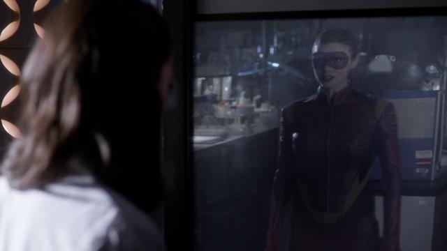Archivo:Eliza hallucinates seeing Trajectory in a reflection.png
