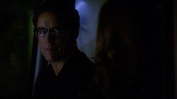 Eobard talks to Caitlin