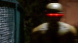 Reverse-Flash confronts Barry