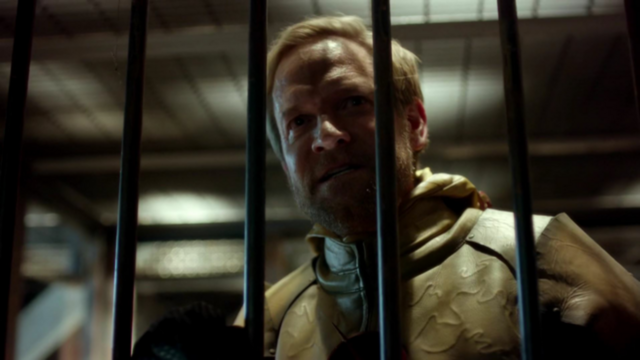 File:Eobard Thawne scolds Barry.png