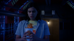 Cisco bringing a Big Belly Burger drink to verify if the Reverse-Flash was there
