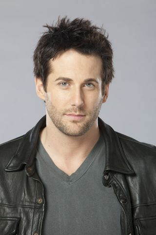 File:Niall Matter.png