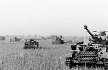 220px-Bundesarchiv Bild 101III-Merz-014-12A, Russland, Beginn Unternehmen Zitadelle, Panzer