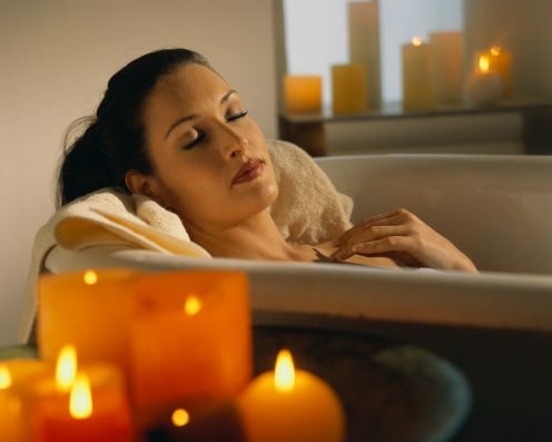 File:Relaxing-bath-candles.jpg
