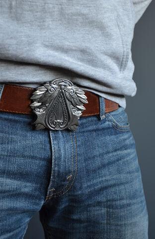File:Assassins-Creed-belt-buckle-1 76152 zoom.jpg