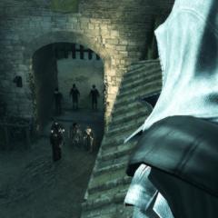 Ezio bekijkt de Tempeliers.