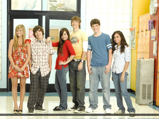File:Demi-Lovato-As-The-Bell-Rings-promoshoot-2007-anichu90-16803544-2560-1917.jpg