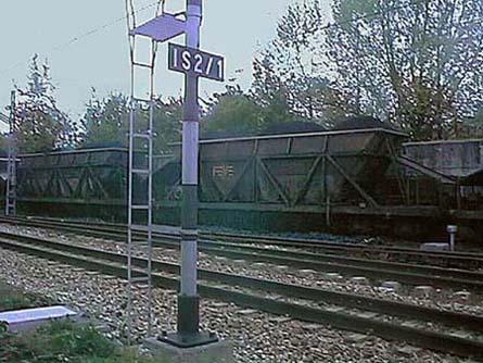 Archivo:Estación tren de carbón-Trubia.jpg