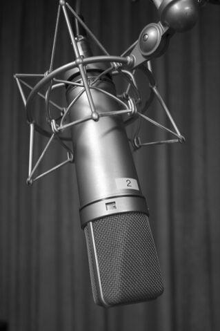 File:Microphone U87.jpg