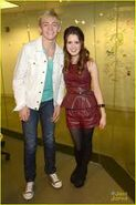 Laura Marano and Ross Lynch2
